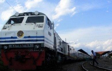 kereta api kampung inggris