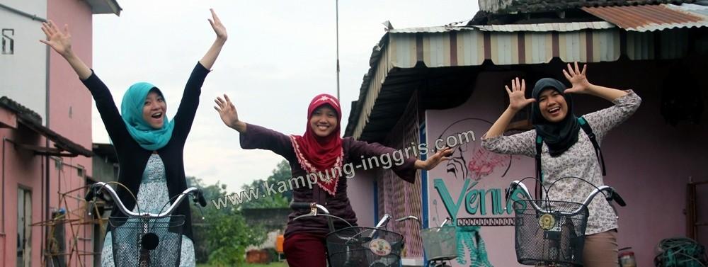 Berwisata Sepeda di Kampung Pare Kediri